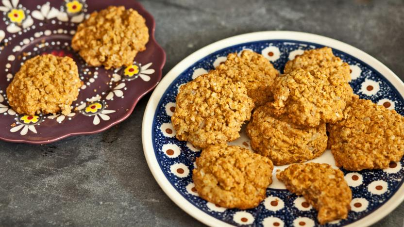 A plate full of yummy spiced cookies